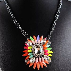 New Item✨ Crystal Statement Pendant Necklace 😍